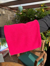 Load image into Gallery viewer, Reversible Snood - Fuchsia / Black