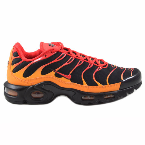 Nike Herren Sneaker Air Max Plus Black/Chile Red-Vivid Orange