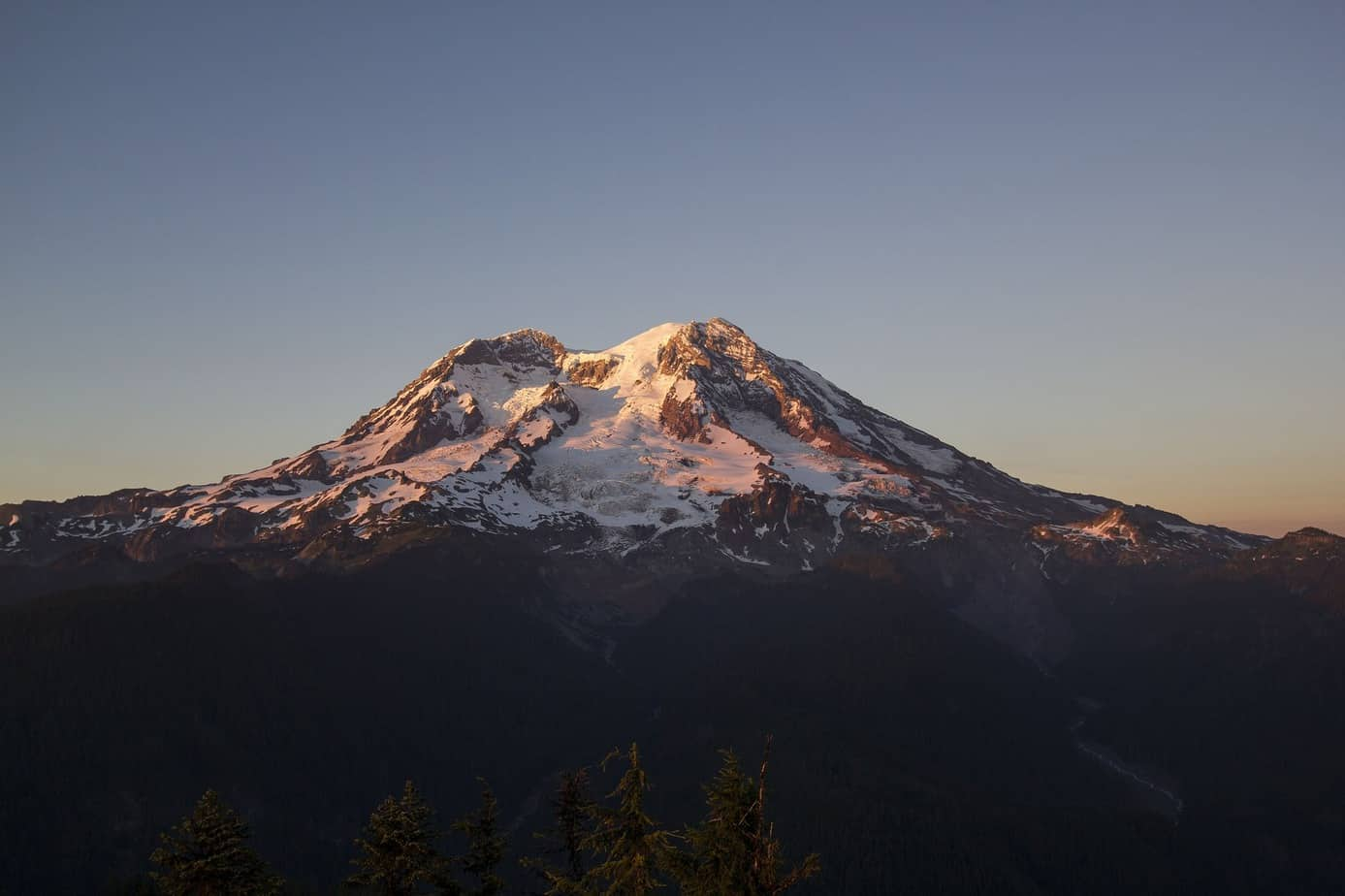 Mount Rainier: Mountaineering, Hiking and Things to do