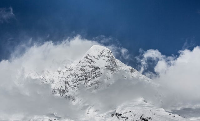 Manaslu mountain