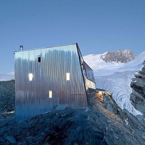 Mountain Hut - Tracuit Hut