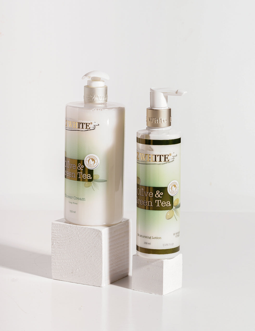 EZ White Olive & Green Tea Bundling (1 Botol Lotion + 1 Botol Shower Cream)