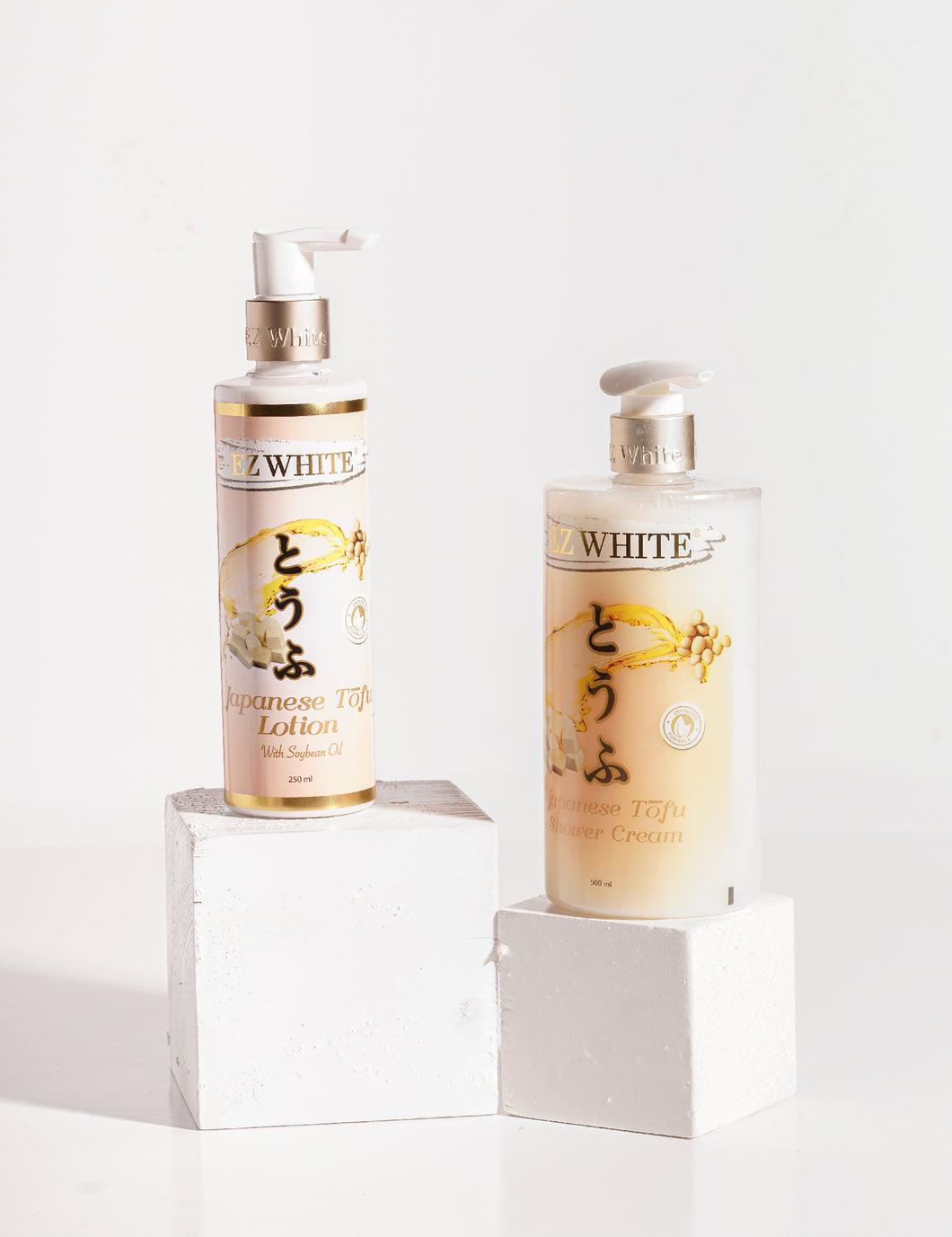 EZ White Japanese Tofu Bundling (1 Botol Lotion + 1 Botol Shower Cream)