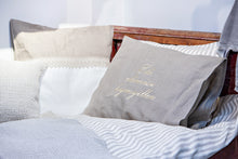 Load image into Gallery viewer, HIEKKA 100% Linen Bedspread