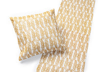 Load image into Gallery viewer, SULKA Linen Table Runner White/Gold