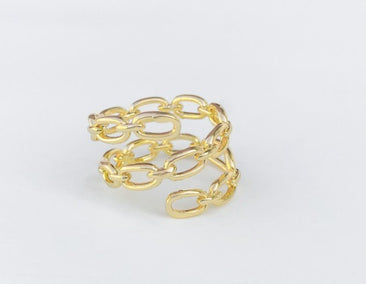 Open triple looped paperclip chain ring