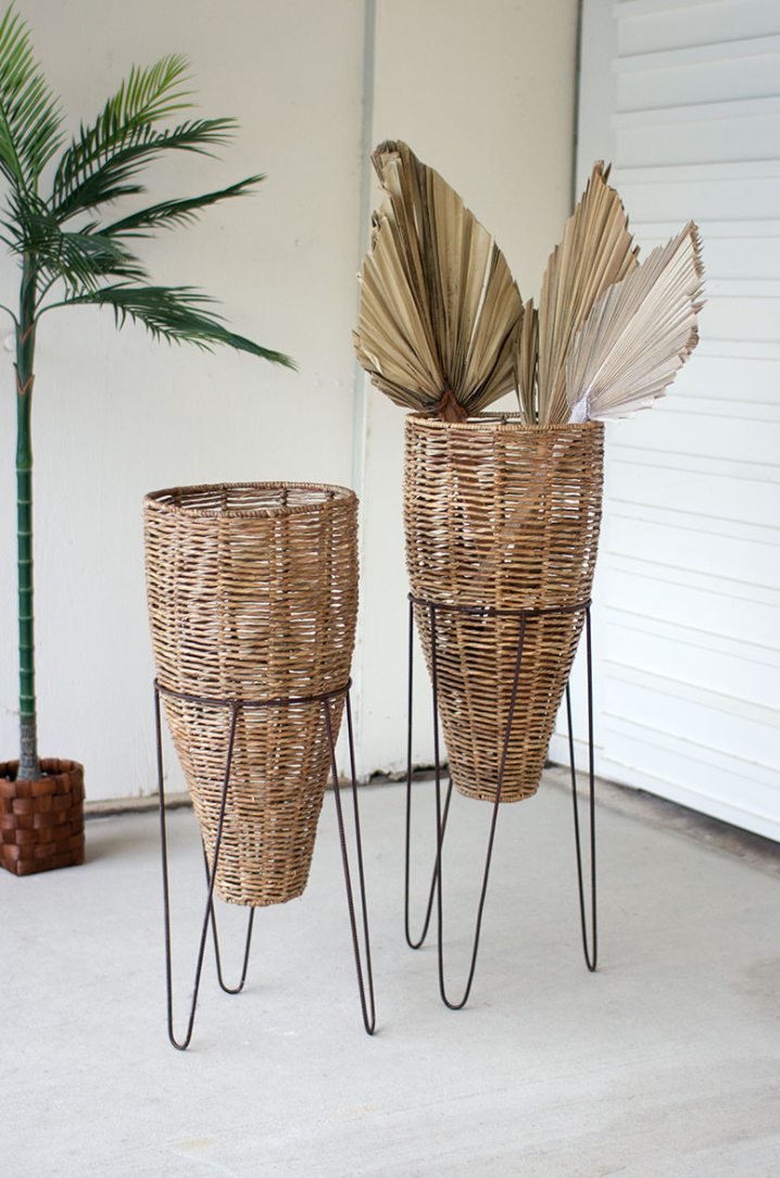 Large Seagrass Cone Planter with Iron Stand