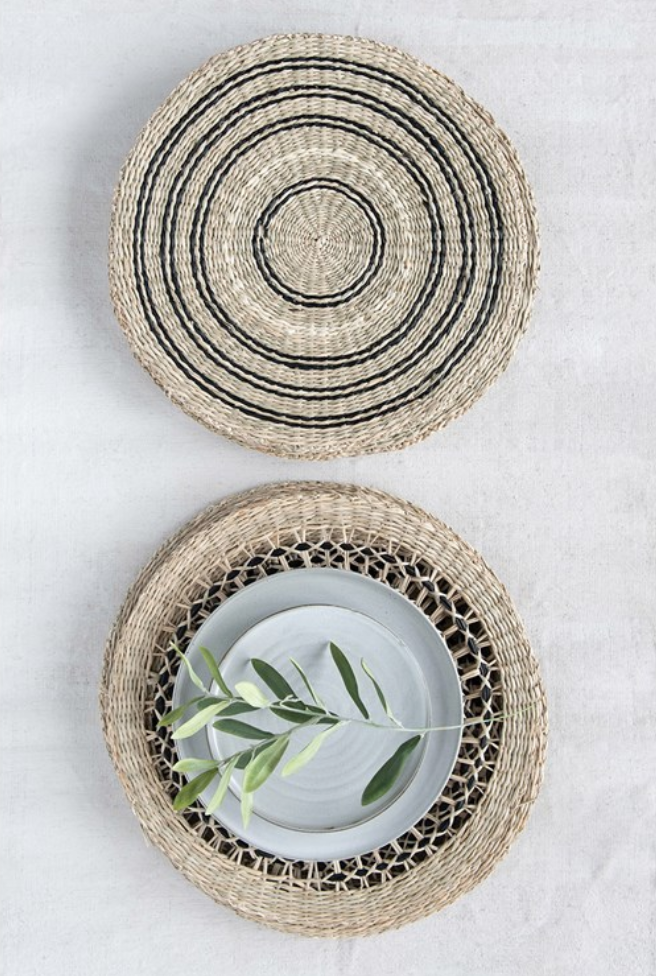 Round Decorative Hand-Woven Seagrass Placemat