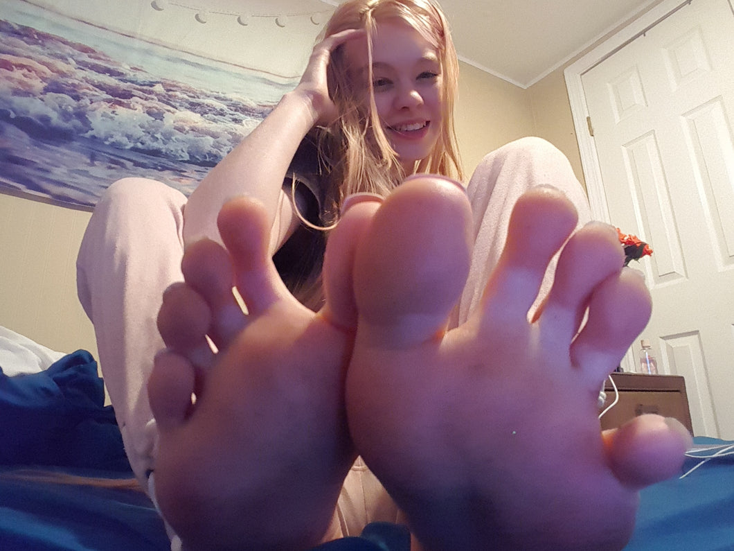 toe spreads to die for