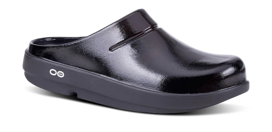 OOFOS Shiny Black Clog