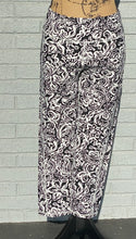 Load image into Gallery viewer, Cecilia slim cropped leggings in Black/ White