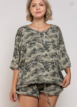 Load image into Gallery viewer, Camo comfy Top