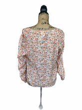 Load image into Gallery viewer, Flower Ruched Front Top