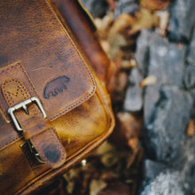 Load image into Gallery viewer, Sitka Leather Messenger
