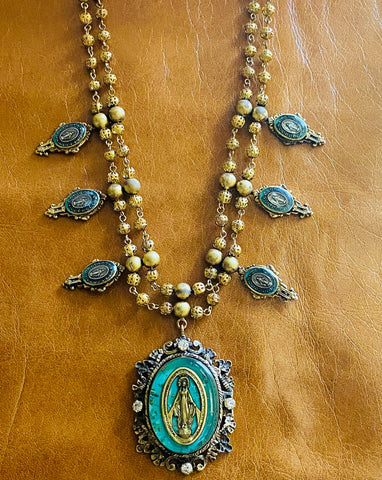 Immaculate Cabochon Necklace