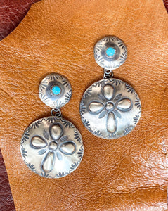 Awena Round Earrings