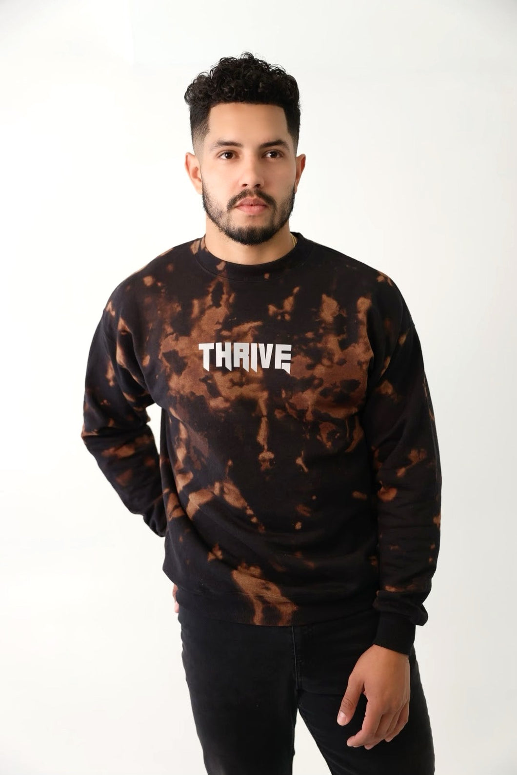 Thrive Mineral Black Crewneck