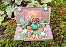 Load image into Gallery viewer, 10/17 Tom Nook DS Terrarium