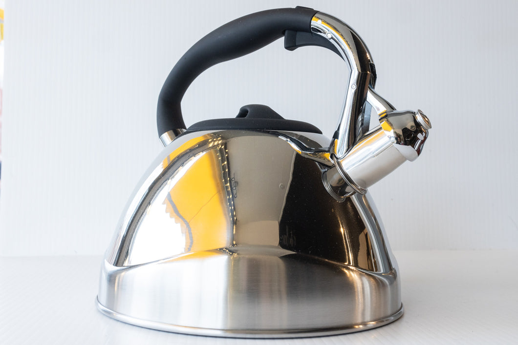 VIO Steel Whistling Kettle