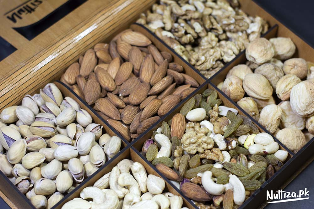 Dryfruits Gift Tray (6 Portion)