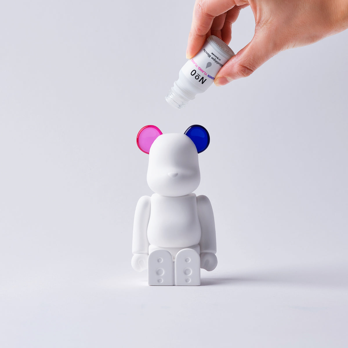 Medicom x Bibliothèque Blanche Be@rbrick Aroma Ornament (Pink/Purple)