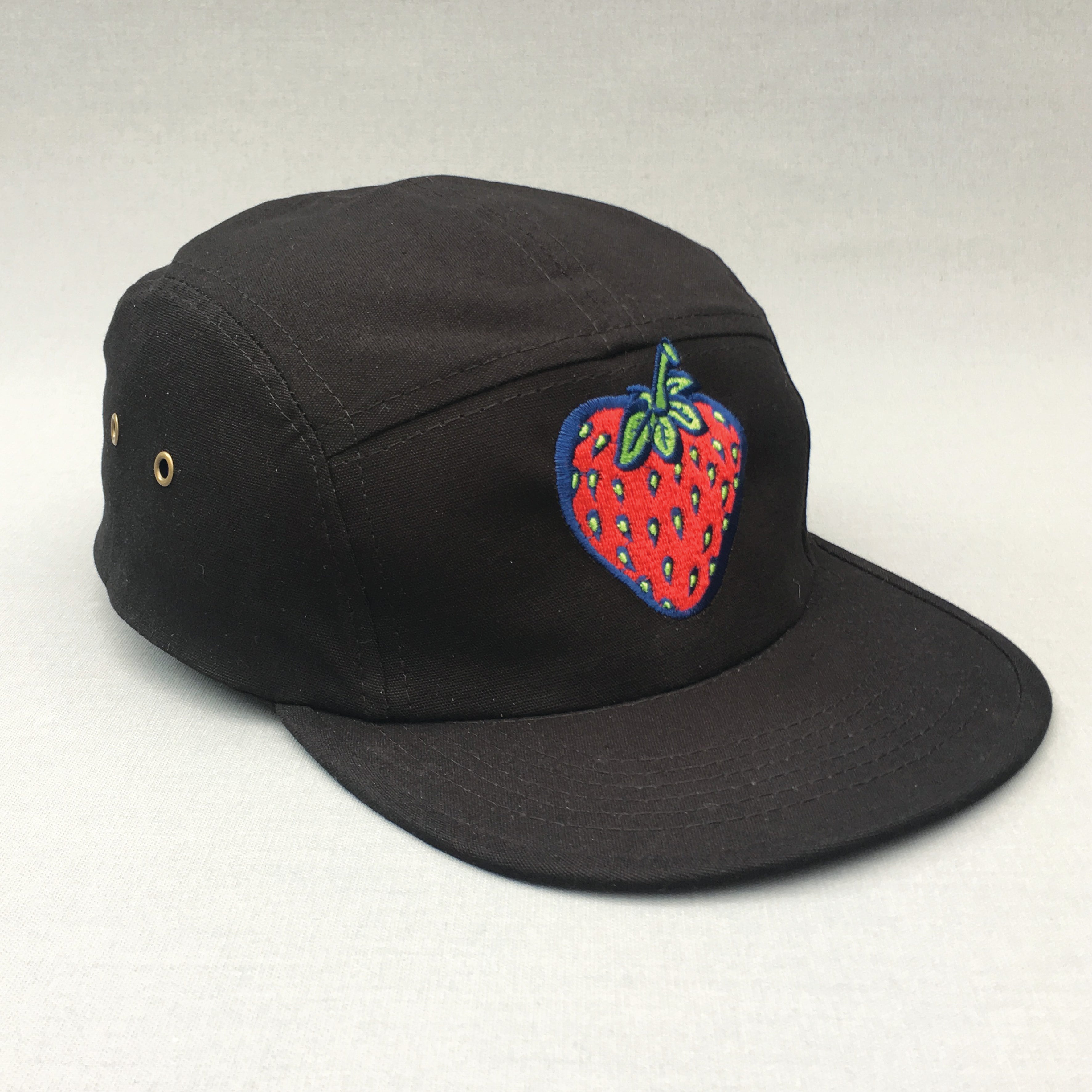 Strawberry 5 panel canvas black cap