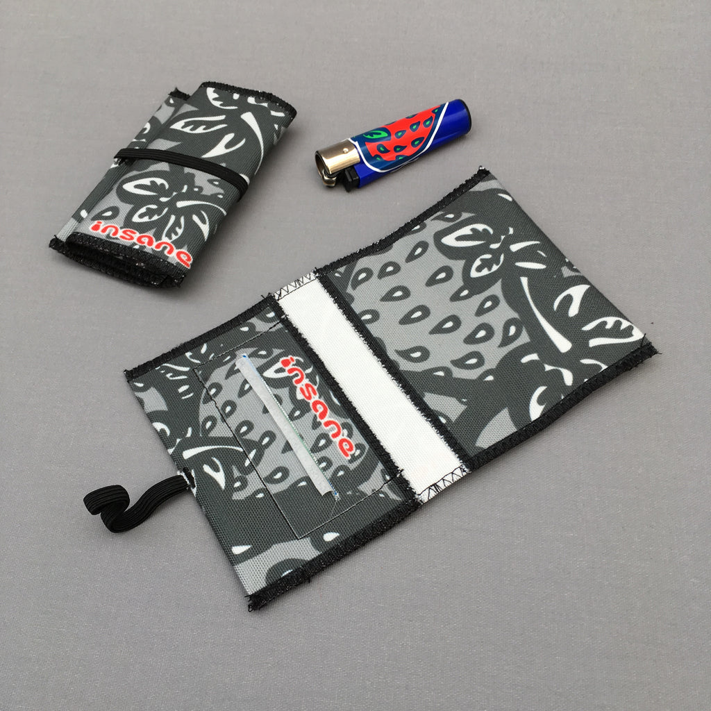 Strawberry 'Grey Camo' tobacco pouch
