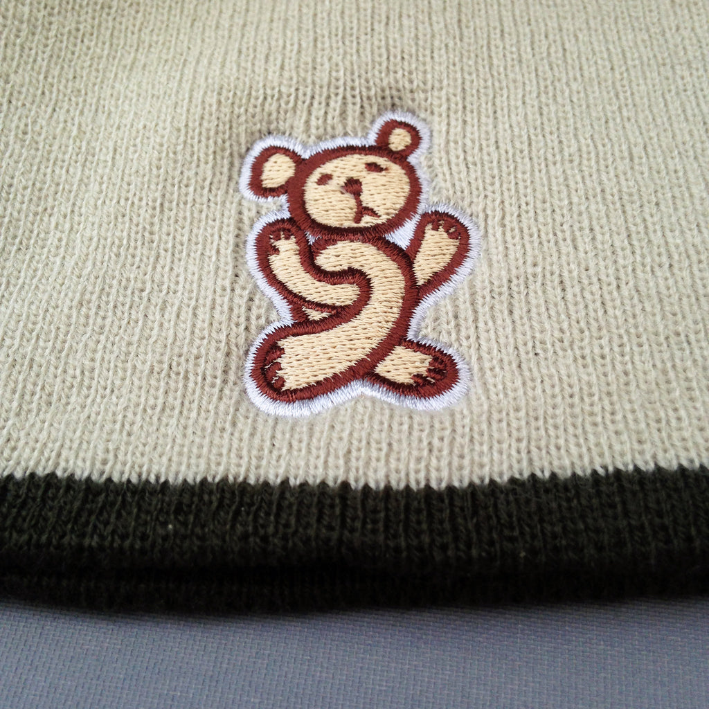Twisted Teddy beanie, contrast sand/green