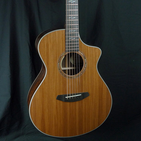 Breedlove Legacy Concert Acoustic-Electric