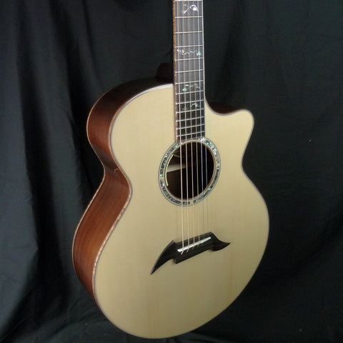 Breedlove Masterclass Auditorium Acoustic Electric