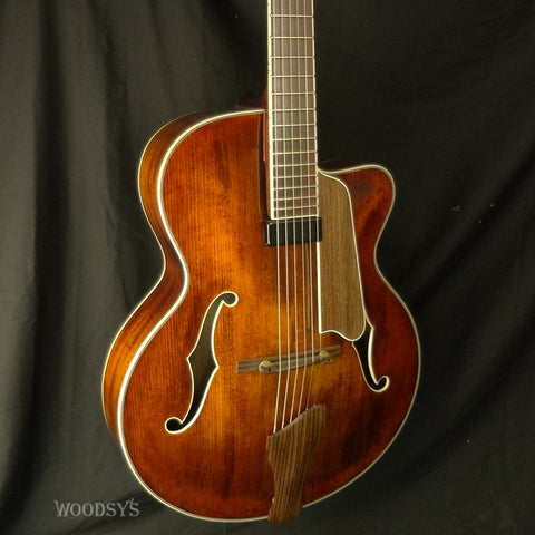 Eastman AR605CE Hollowbody Electric Guitar