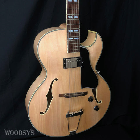 Eastman AR371CE Hollowbody Electric Guitar