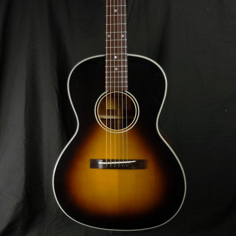 Eastman E10 OOSS Aged Adirondack Spruce Top Acoustic Guitar