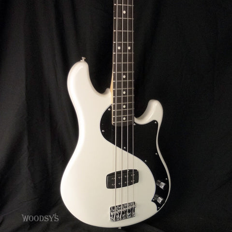 Fender Standard Dimension Bass IV
