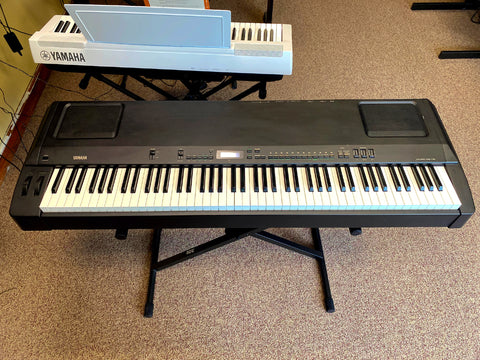 Used Yamaha P-200 Digital Keyboard