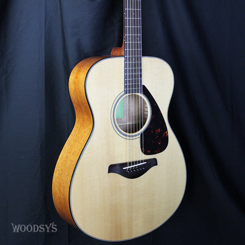 Yamaha FS800 Folk Body Acoustic Guitar