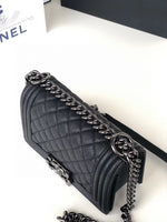 Chanel A67085 boy bag smal boy flap handbag 94305  black