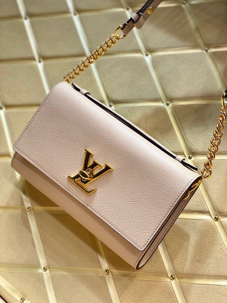 LV M56087 Louis vuitton Lockme clutch Bag in Greige