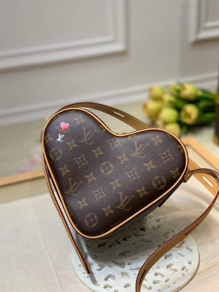 LV M57456 Louis vuitton Game on Cœur Bag Monogram