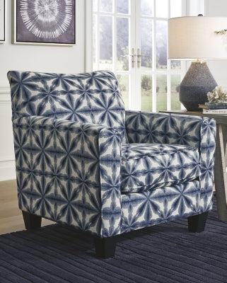 Kiessel Nuvella Benchcraft Accent Chair