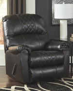 Betrillo Signature Design by Ashley Recliner