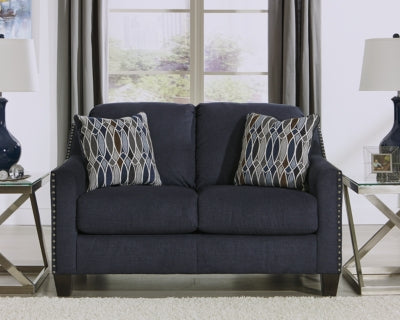 Creeal Heights Benchcraft Loveseat