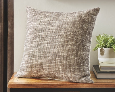 Hullwood Signature Design by Ashley Pillow Set of 4
