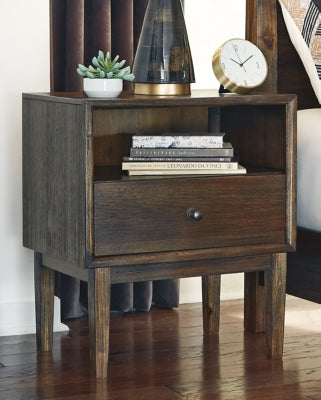 Kisper Signature Design by Ashley Nightstand