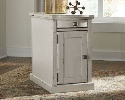 Laflorn Signature Design by Ashley Chair Side End Table