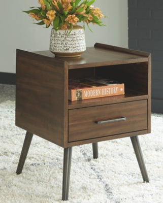 Calmoni Signature Design by Ashley Square End Table