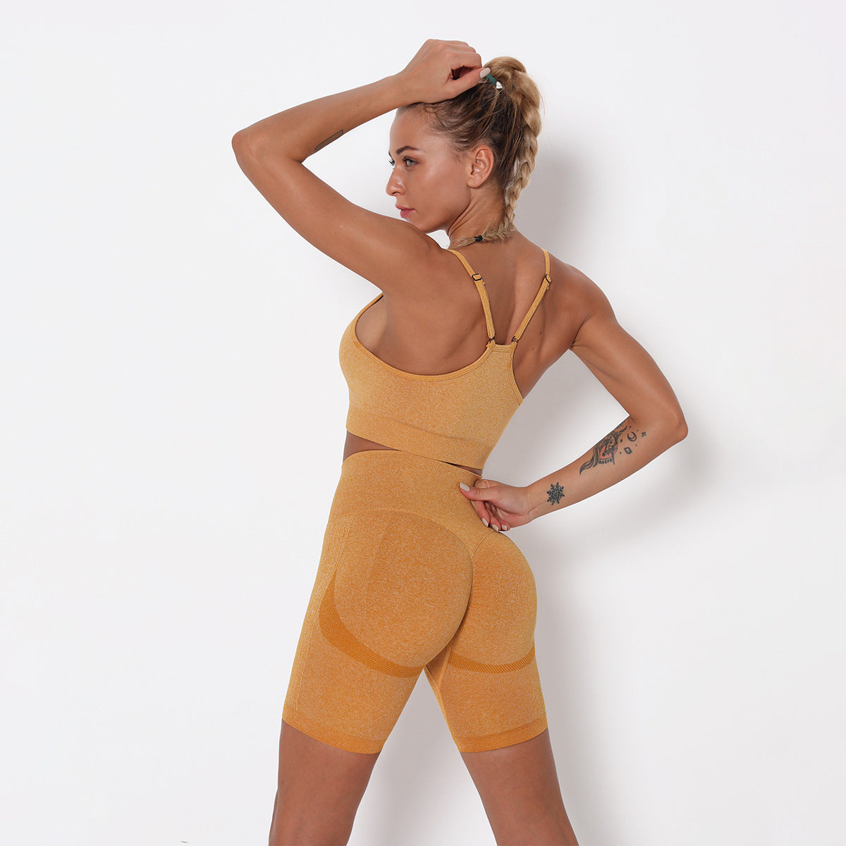 2020 Women Seamless Peach Hip Yoga Suit Short Pant Running Suit Fitness Suit Sports Bra YS-056