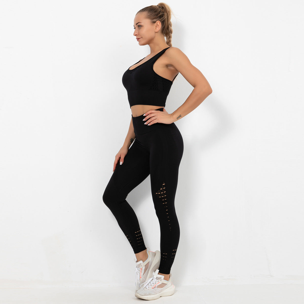 2020 Women Seamless Hollow Out Hip Lift Yoga Suit Sportswear Training Suit Gym SuitYS-038