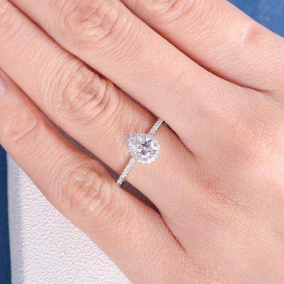 18K Pear Shape Moissanite Engagement Ring Antique Wedding Women Bridal Unique Pear Cut White Gold Diamond Halo Anniversary Gift Retro