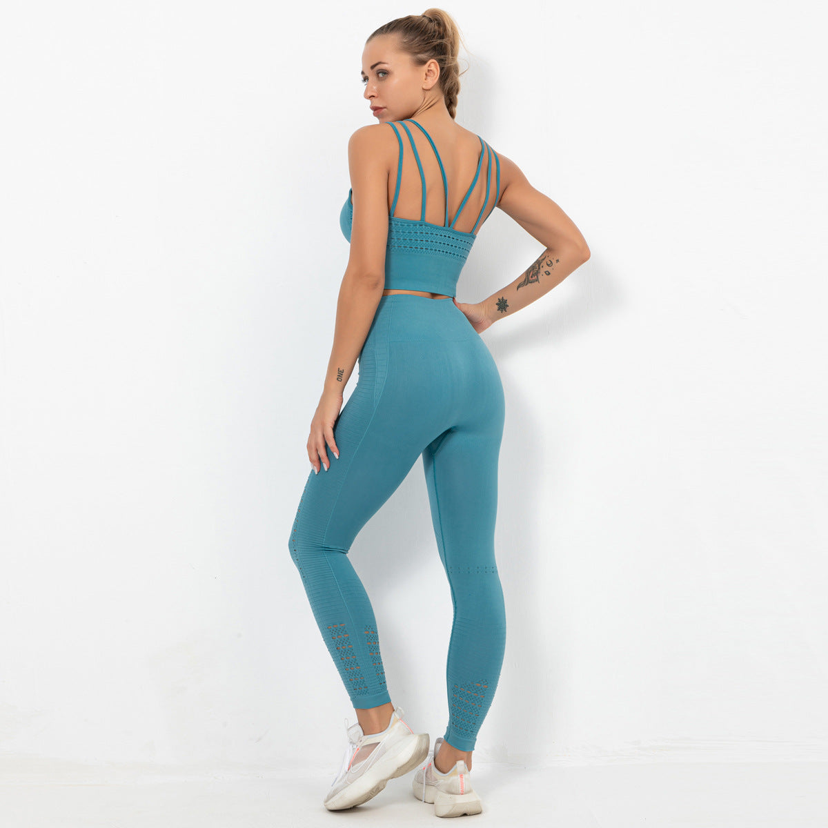 2020 Women Seamless Hollow Out Hip Lift Yoga Suit Sportswear Training Suit Gym Suit YS-038